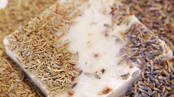 ラベンダー&ローズマリー、とろける泡のはちみつクリーム石鹸