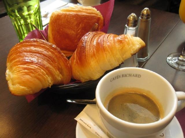 パリの朝食イメージ