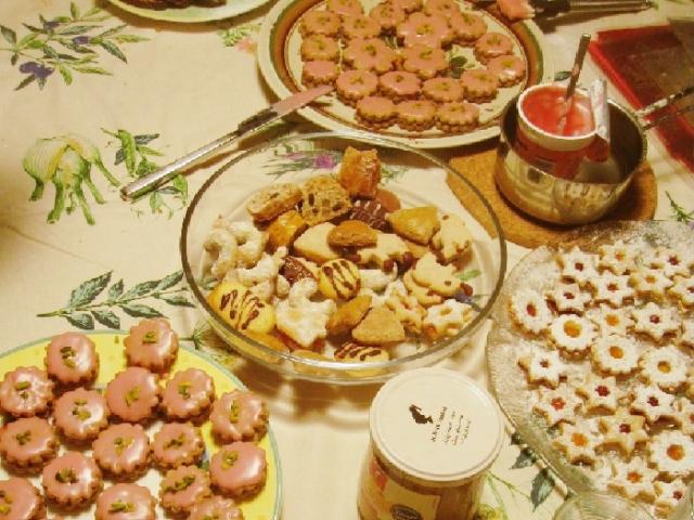 大量の手作りクッキー