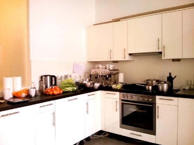 電子レンジのないドイツのキッチン