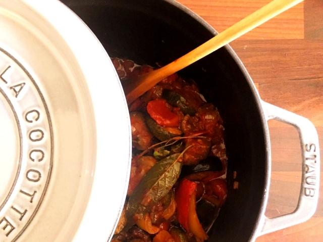 ココットで煮込んだ南仏の夏料理、ラタトゥイユ