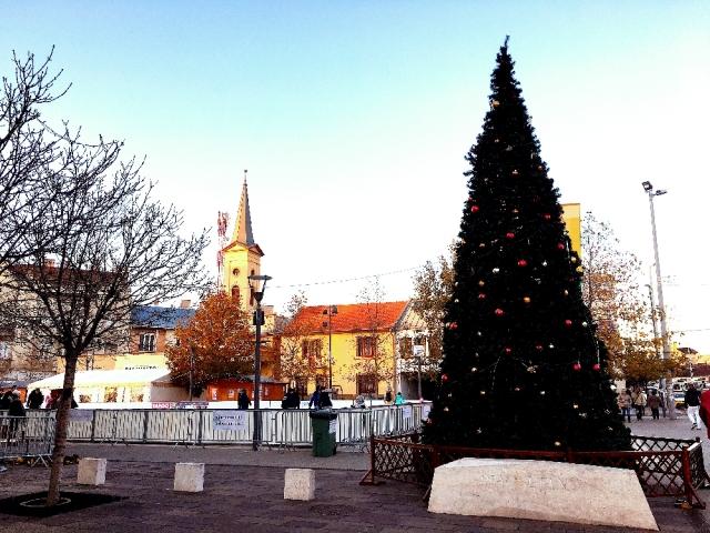 ウーイペシュト地区のクリスマスマーケット