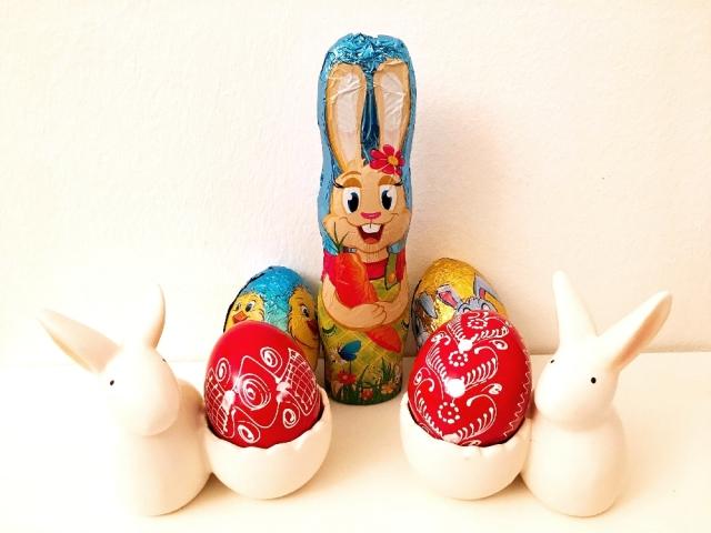 スーパーでもウサギやタマゴのグッズが並ぶ