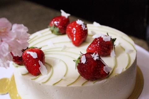 桜のショートケーキ